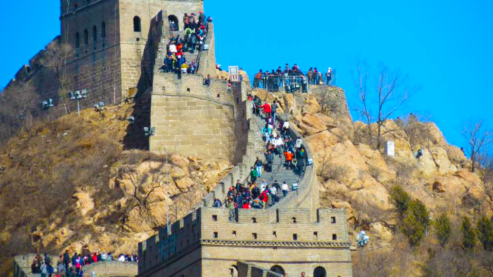 Great Wall of China - View of the crowd - Bandling - time travel blonde