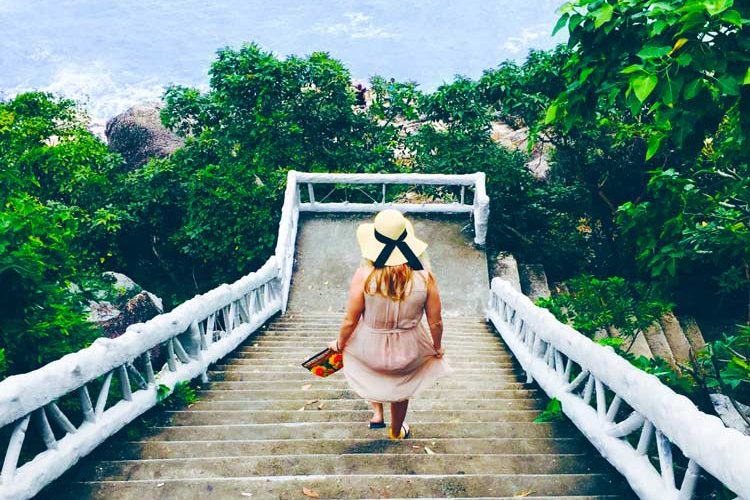 Top 10 Solo Female Travel Tips For Beginners
