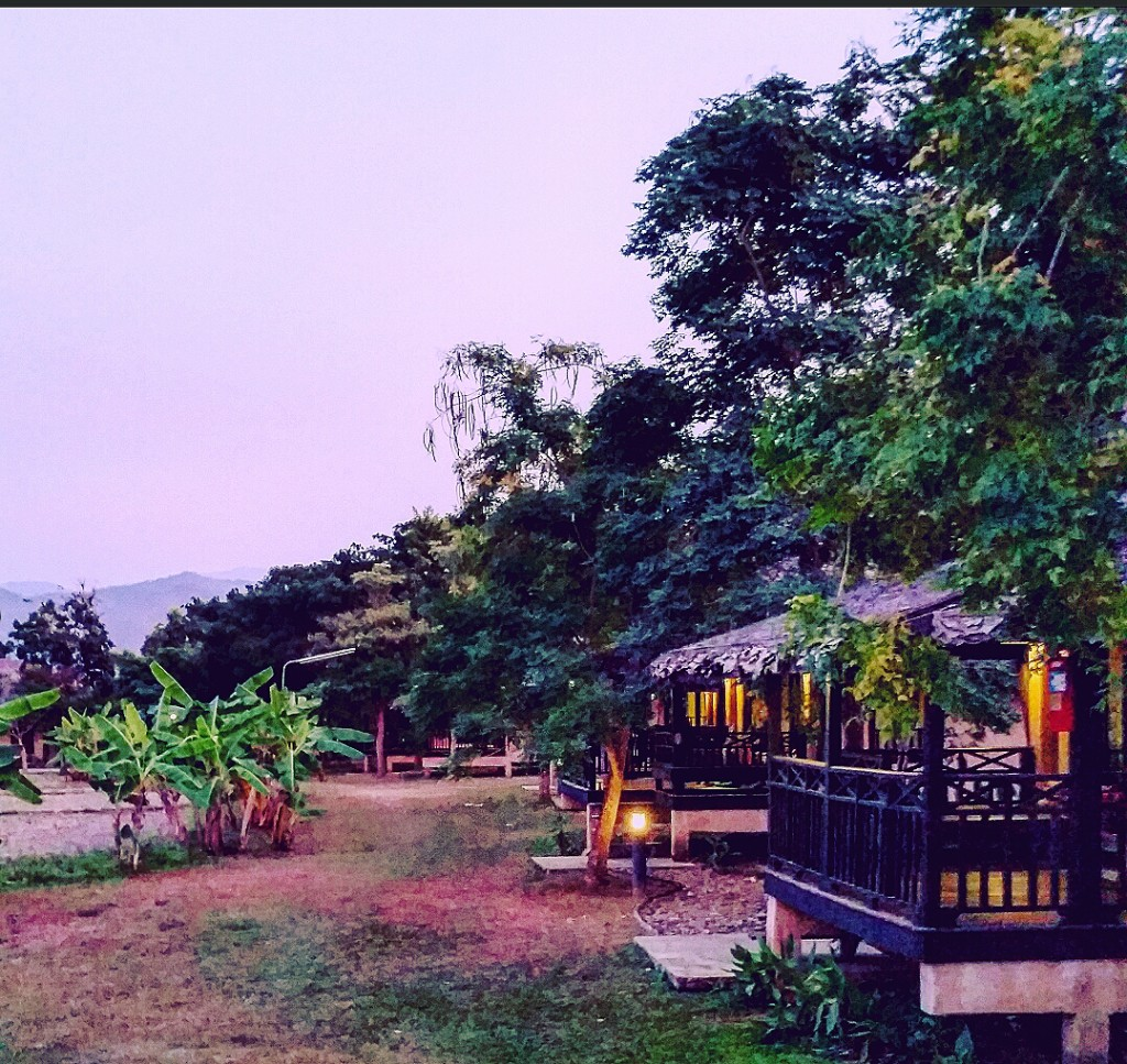 Phu Pai Art Resort grounds