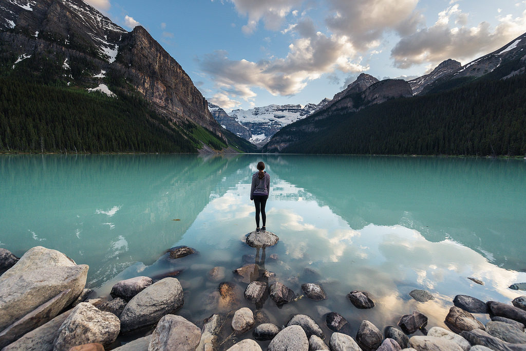lake-louise-canada-honeymoon-destination